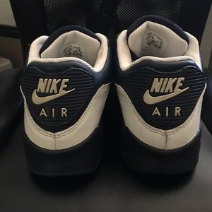 NIKE Air Max navy blue / white. size 9